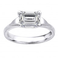 Eorsa Emerald Cut Solitaire