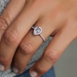 Alloa Pear Halo Engagement